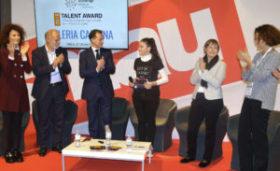 La premiazione di Valeria Cagnina alla prima edizione del Talent Award dell'Human Age Institute